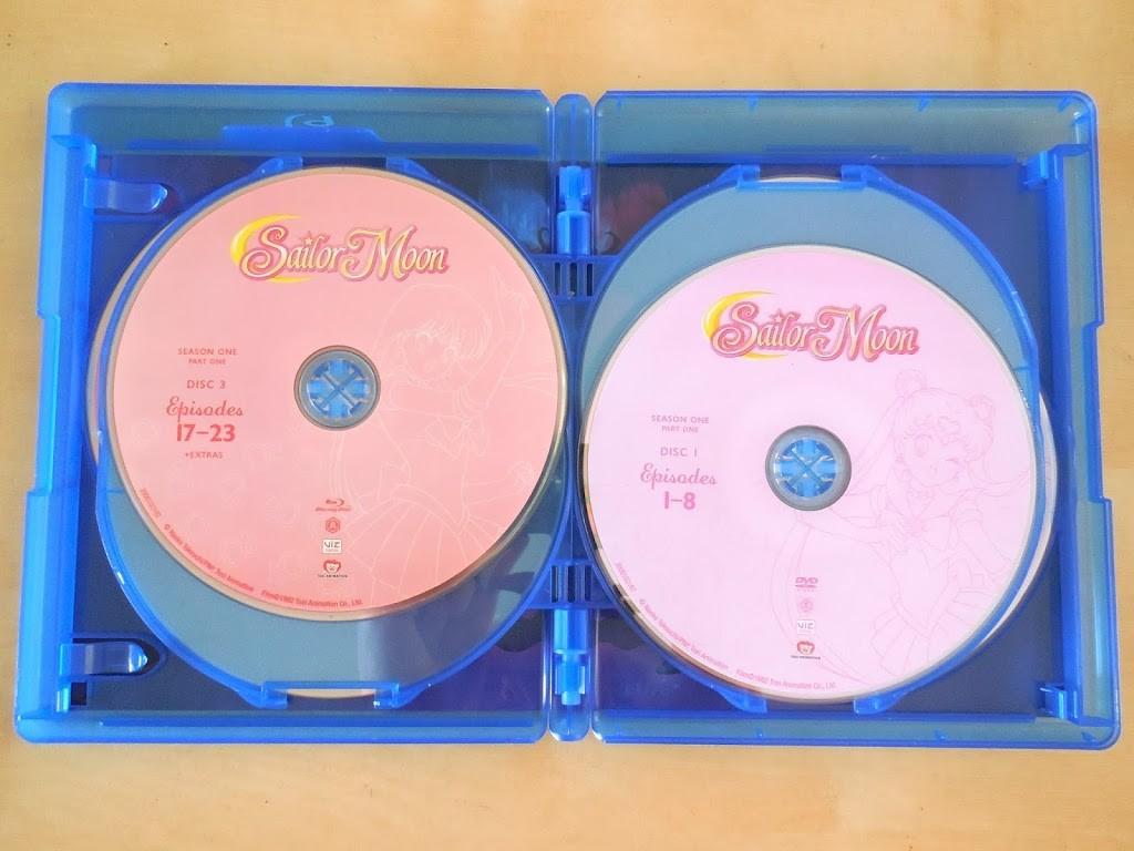 Sailor Moon Season 1, Set 1 LE BD/DVD Combo Pack Review discs