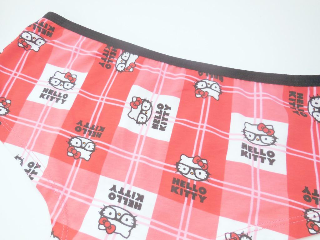 glasses Hello Kitty undies