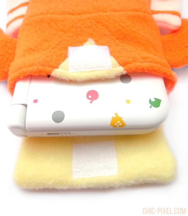 Yian Kut Ku Handmade 3DS Case Flea Circus Designs inside closeup