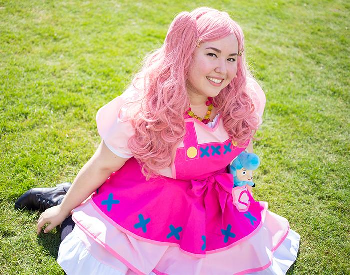 Ms. Visual Grammar Reese cosplay