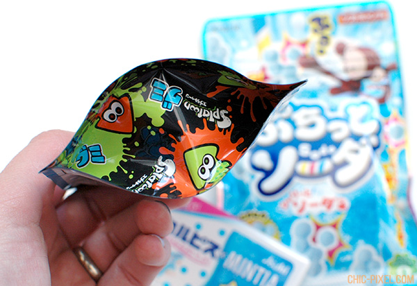 Oyatsubox Japanese snack subscription box September 2016 review Splatoon gummies closeup