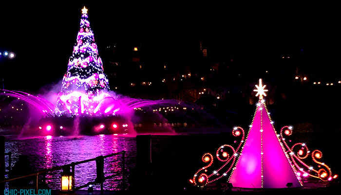 Visiting Tokyo DisneySea at Christmas Time Christmas tree