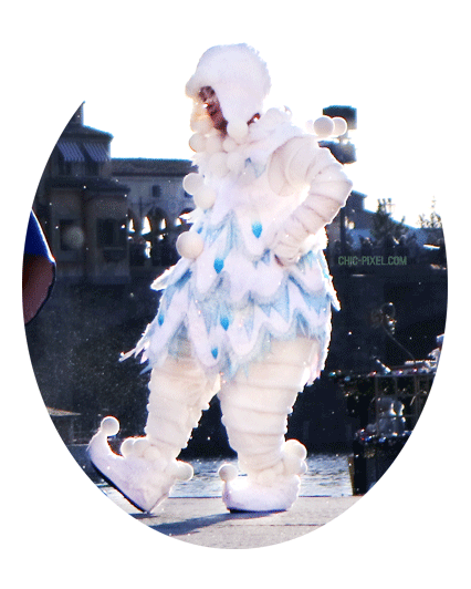 Visiting Tokyo DisneySea at Christmas Time A Perfect Christmas costume